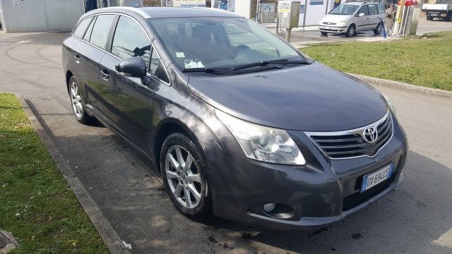 Toyota avensis sol