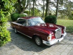 MERCEDES-BENZ 220 SEb COUPE W 111