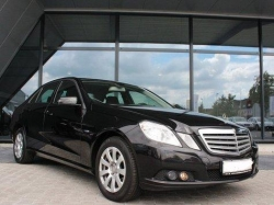 MERCEDES-BENZ E 220  CDI DPF BlueEFFICIENCY Automatik