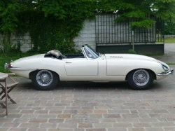 JAGUAR E E-Type