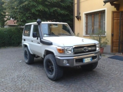 TOYOTA Land Cruiser Hzj 71