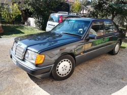 MERCEDES-BENZ E 200 BERLINA