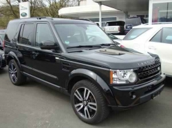 LAND ROVER Discovery 3.0 SDV6 BLACK AND WHITE EDITION