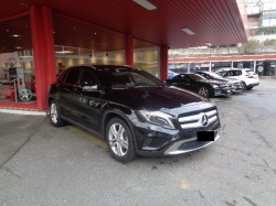 MERCEDES-BENZ GLA 220  MERCEDES-BENZ GLA 220 d Urban 4Matic