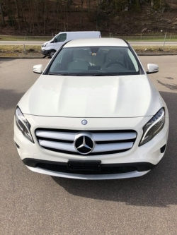 MERCEDES-BENZ GLA 200 MERCEDES-BENZ GLA 200 CDI Star Edition Style 4Matic 7G-DCT