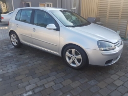 VOLKSWAGEN Golf 548