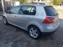 VOLKSWAGEN Golf 547