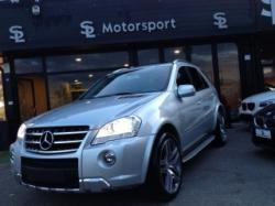 MERCEDES-BENZ ML 63 AMG V-Max,TETTO,NAVI,BIXENO,PELLE,RETROCAMERA,TV POST.