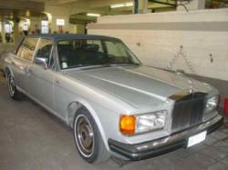 ROLLS-ROYCE Silver Spur Silver Spur