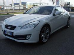 HYUNDAI Genesis Coupe 2.0 Turbo Sport