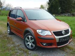 VOLKSWAGEN Touran Highline 2,0 TDI DPF DSG Cross