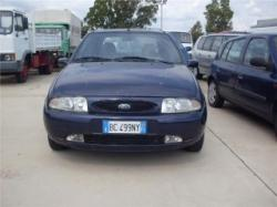 FORD Fiesta 1.2i 16V cat 5 porte Techno