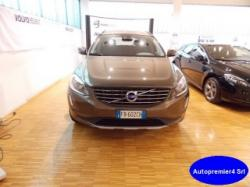 VOLVO  XC60 D4 GEARTRONIC MOMENTUM