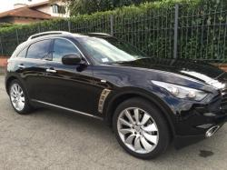 INFINITI FX30 d Black and White Edition