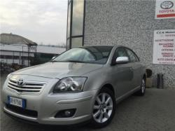 TOYOTA Avensis TOYOTA AVENSIS BERLINA 2.0 D-4D 16V SOL