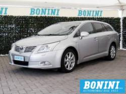 TOYOTA Avensis 2.2 D-Cat aut. Wagon Executive