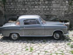 MERCEDES-BENZ 220 Coupé